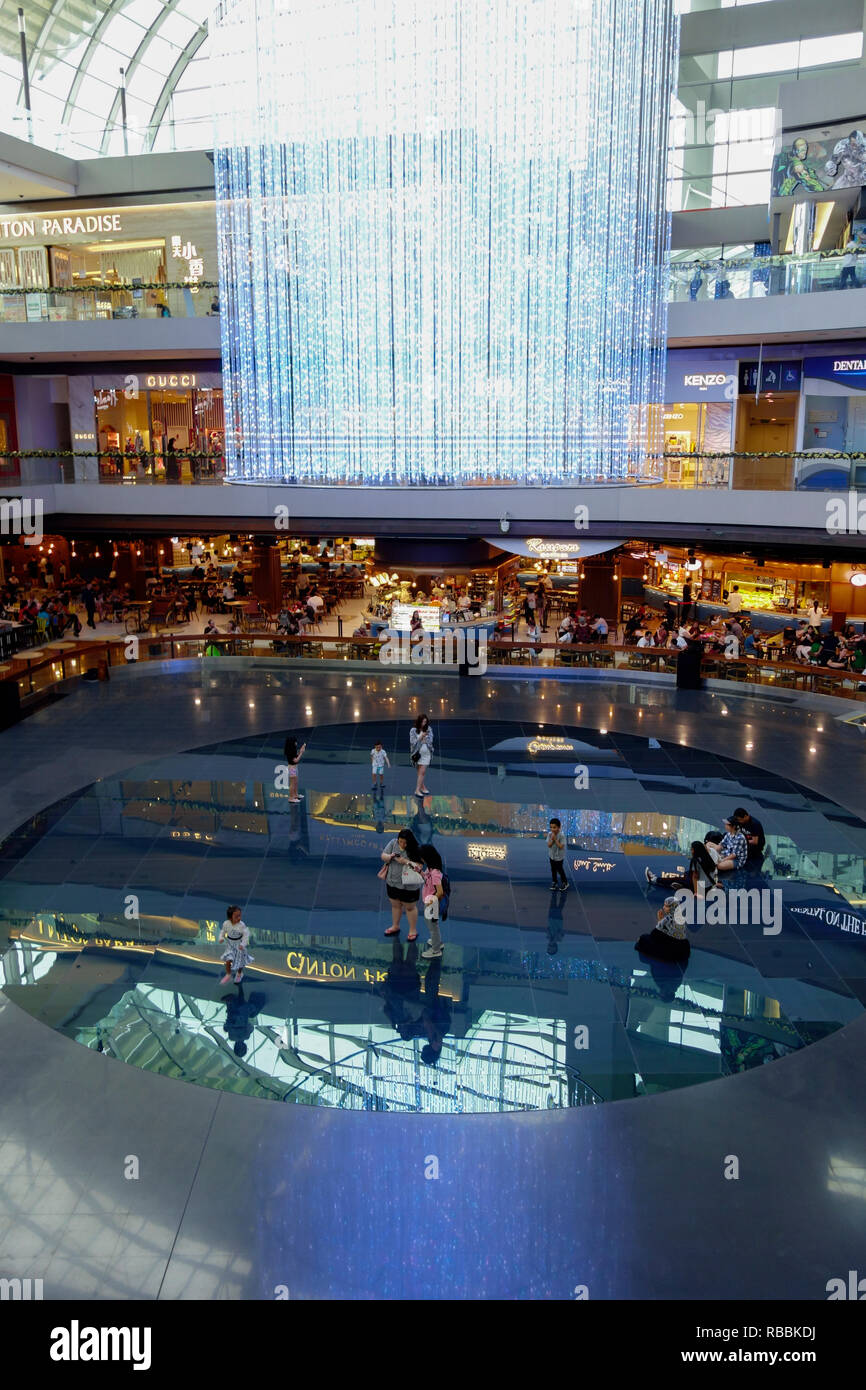 The Shoppes at Marina Bay Sands - a luxury shopping mall in the Marina Bay Sands hotel & casino complex. Singapore. - Stock Image