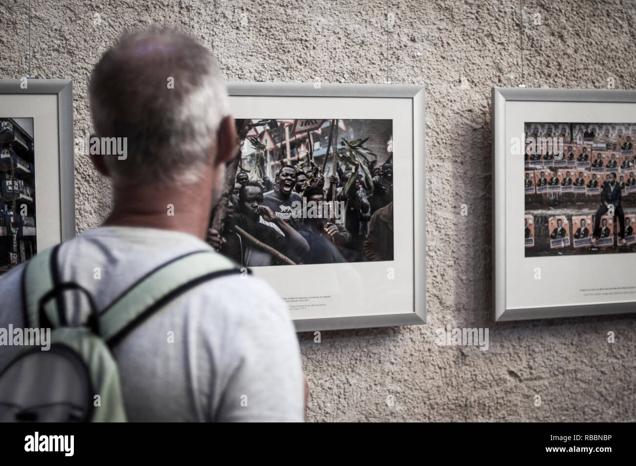 Perpignan, France, Tourists Visiting in 'Visa Pour l'Image' Photojournalism Festival Photography Gallery Exhibition - Stock Image