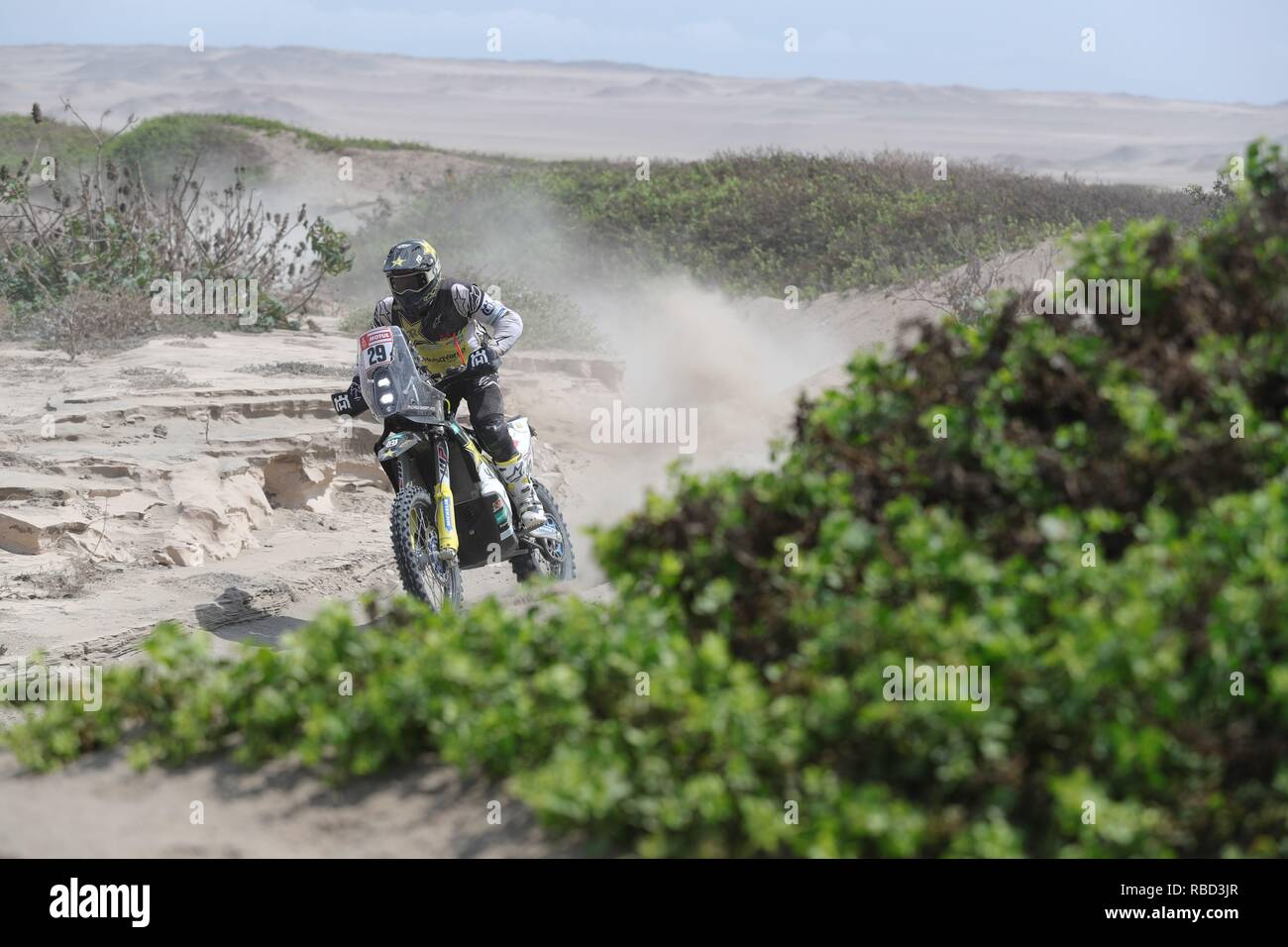 San Juan De Marcona, Peru. 09th Jan, 2019. US Andrew Short drives his Husqvarna during the third stage of the Rally Dakar 2019, from San Juan de Marcona to Arequipa, in Peru, 09 January 2019. Credit: Ernesto Arias/EFE/Alamy Live News - Stock Image