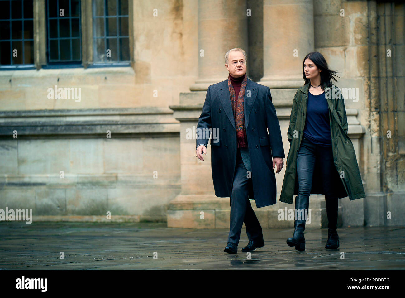 Prod DB © Sky UK Limited - Bad Wolf / DR A DISCOVERY OF WITCHES serie TV 2018- GB saison 1 episode 2 Owen Teale Malin Buska. d'apres le roman de Deborah Harkness based on the 'All Souls Trilogy' by Deborah Harkness - Stock Image