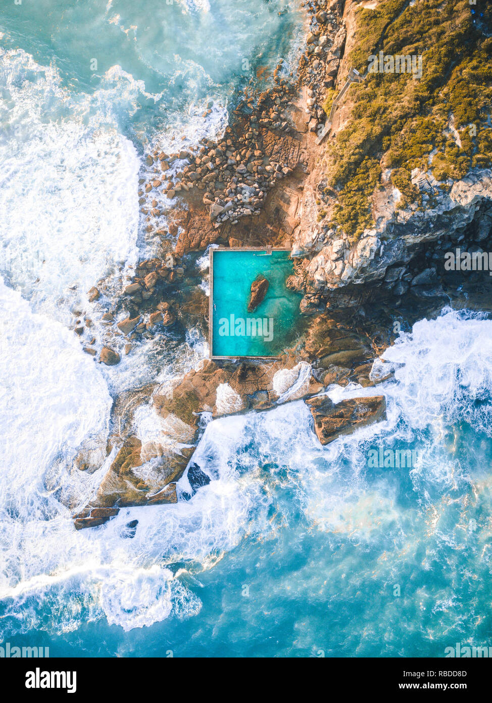 STUNNING Birdu0027s Eye View Pictures Have Revealed The Incredible Rock Pools  On Offer In Sydney, Australia. Spectacular Aerial Images Offer A New  Perspective ...