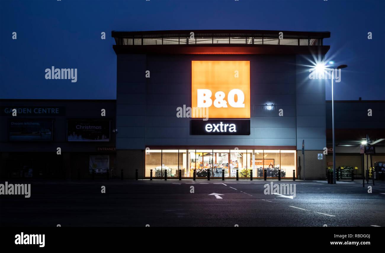 Swindon Uk November 18 2018 Swindon Showing B Q Extra