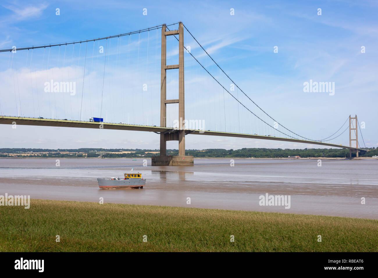 The Humber Bridge over Humber river, Barton-upon-Humber, Lincolnshire, England, United Kingdom Stock Photo
