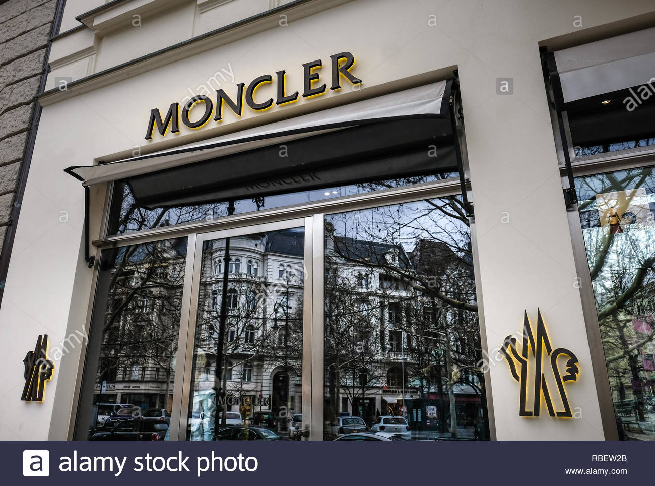 official photos d8078 04971 Moncler Stock Photos & Moncler Stock Images - Alamy