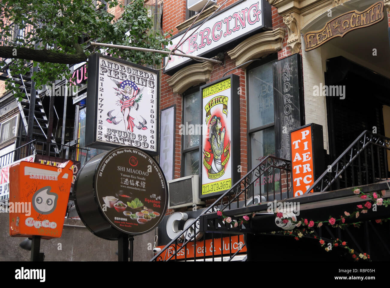 Saint Marks Place, Piercing, Flesh Center, tattoo, east Village, Manhattan, New York, NY, USA - Stock Image