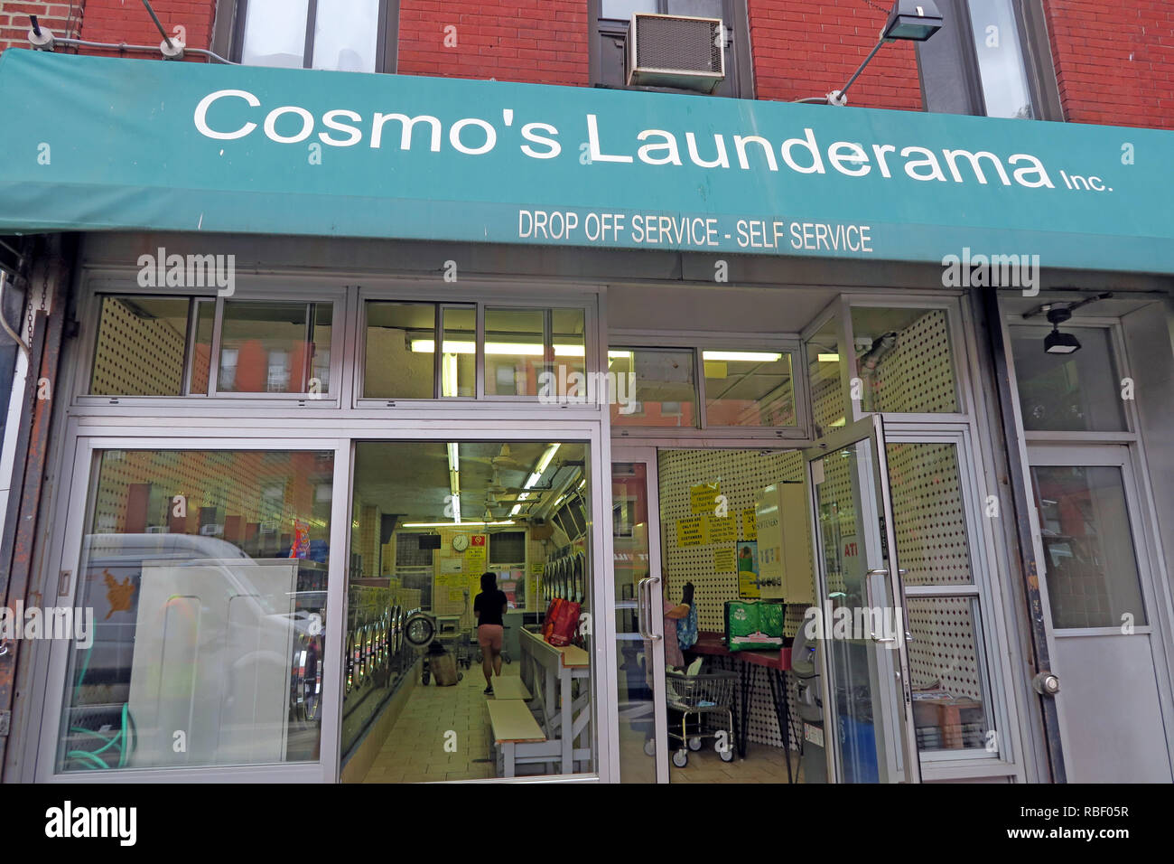 Cosmo Launderama, launderette, 142 1st Avenue #9, New York, NY 10009, USA Stock Photo