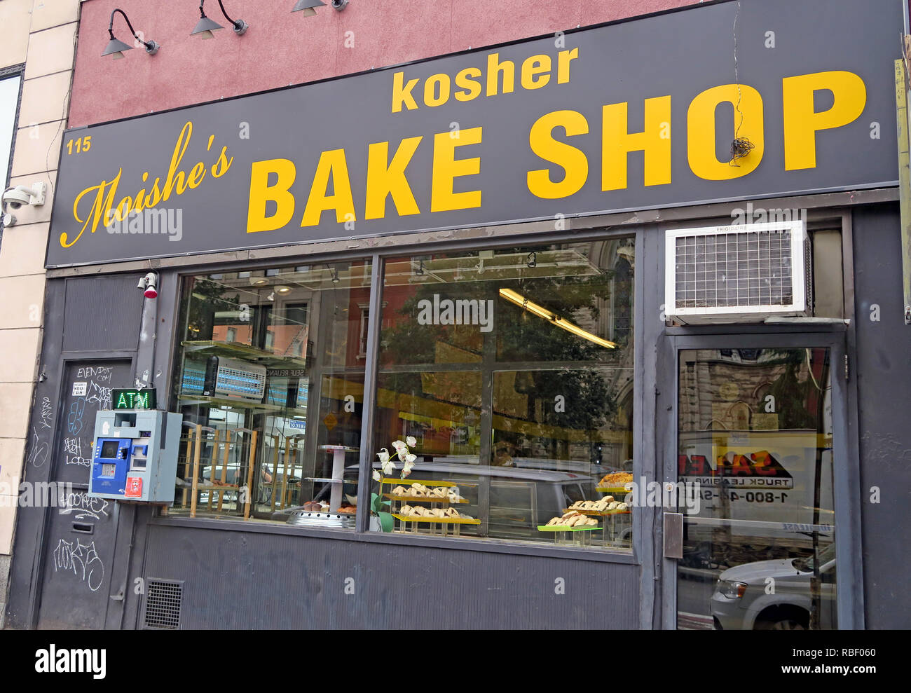 Moishes Kosher Bake Shop 115 2nd Ave, East Village, Manhattan, New York, NYC, USA - Stock Image