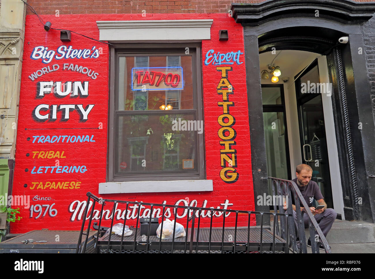 Big Steves, Famous Fun City, expert Tattooing,tattooist, 94 St Marks Pace, East Village, Manhattan, New York, NY, USA - Stock Image