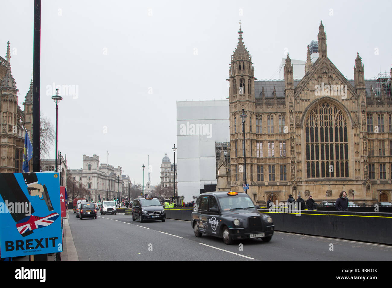 London, UK. 10th Jan 2019 : Anti-Brexit protesters demonstrate outside the Houses of Parliament in Westminster. Credit: Thabo Jaiyesimi/Alamy Live News Stock Photo