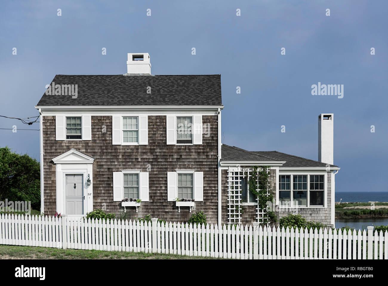 Charming beach house, Corporation Beach, Dennis, Cape Cod, Massachusetts, USA. - Stock Image