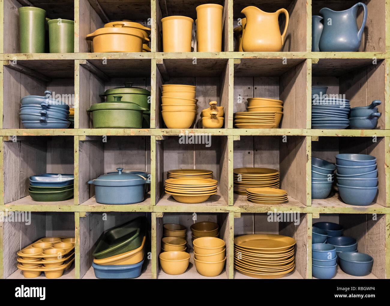 Flatware pottery for sale in a studio shop, Bennington Potters, Bennington, Vermont, USA. - Stock Image