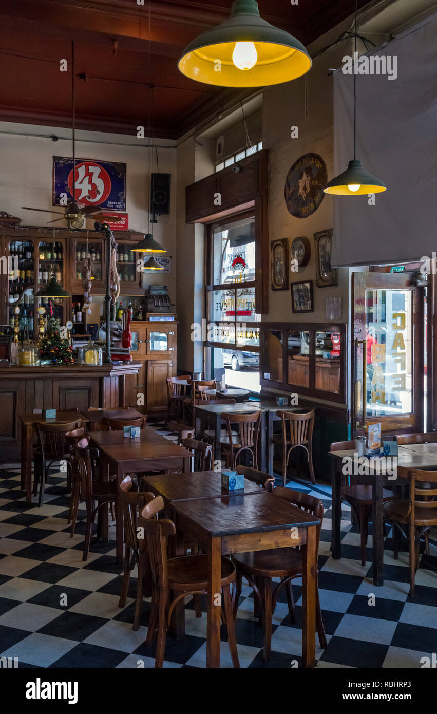 Cafe Bar 'El Hipopotamo'. San Telmo, Buenos Aires, Argentina - Stock Image