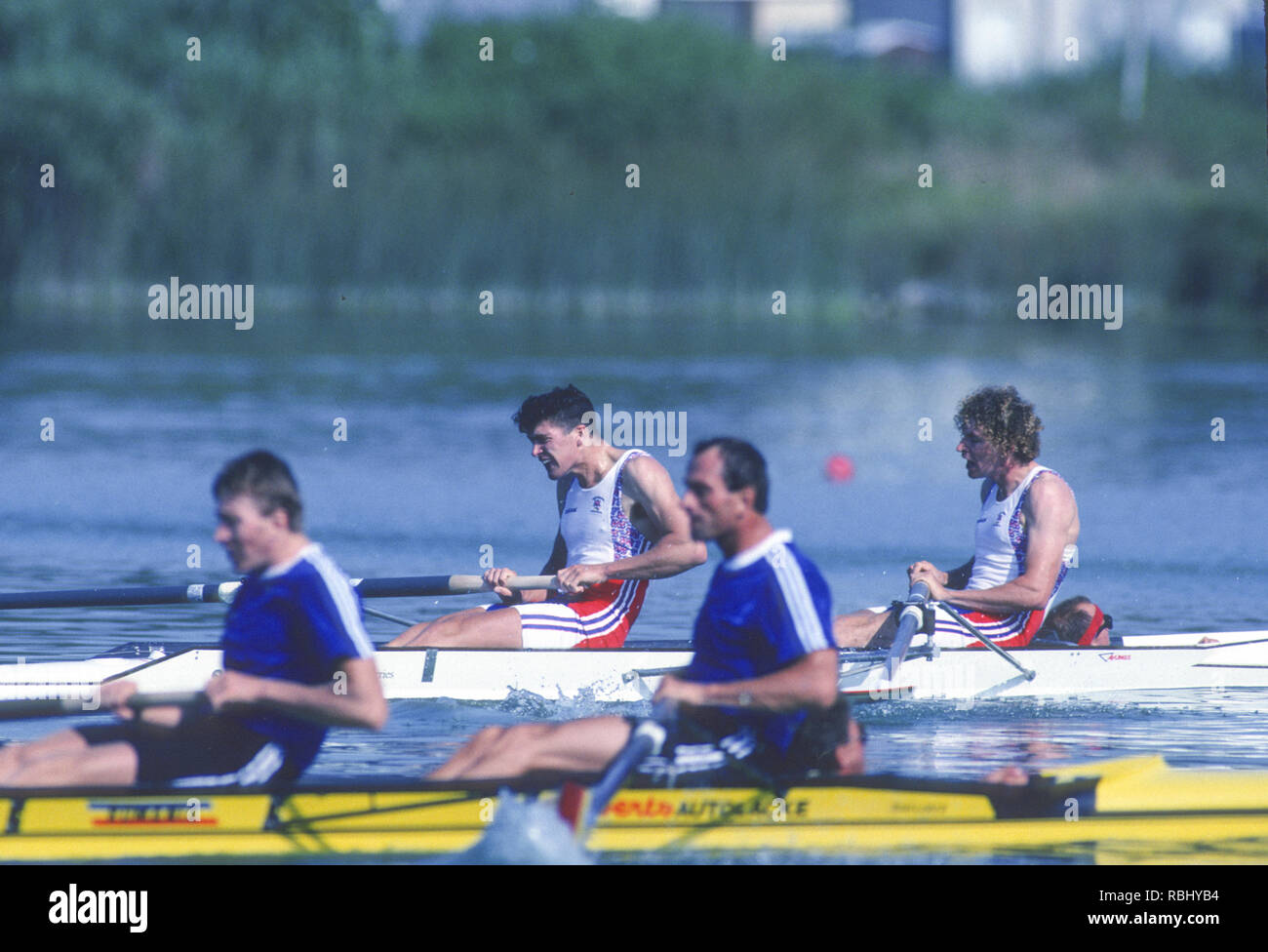 Barcelona, SPAIN. Gold Medalist, GBR M2+, Bow Jonny SEARLE and Greg SEARLE with cox, Gary HERBERT. closing stages of the Final, 1992 Olympic Rowing Regatta Lake Banyoles, Catalonia [Mandatory Credit Peter Spurrier/ Intersport Images] Last time Men's coxed pair raced at the Olympics, Stock Photo