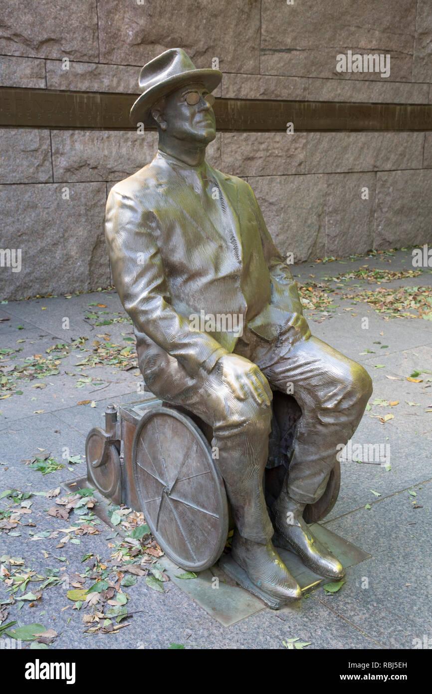 Statue of Roosevelt sitting in Wheelchair, Franklin Delano Roosevelt Memorial, Washington D.C., USA - Stock Image