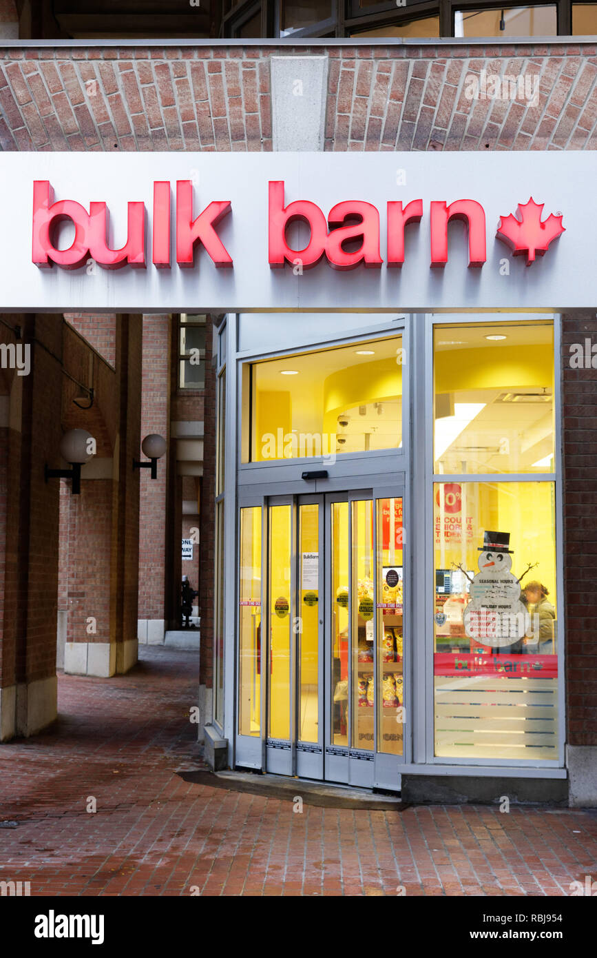 A Bulk Barn bulk food shop in Toronto, Canada - Stock Image