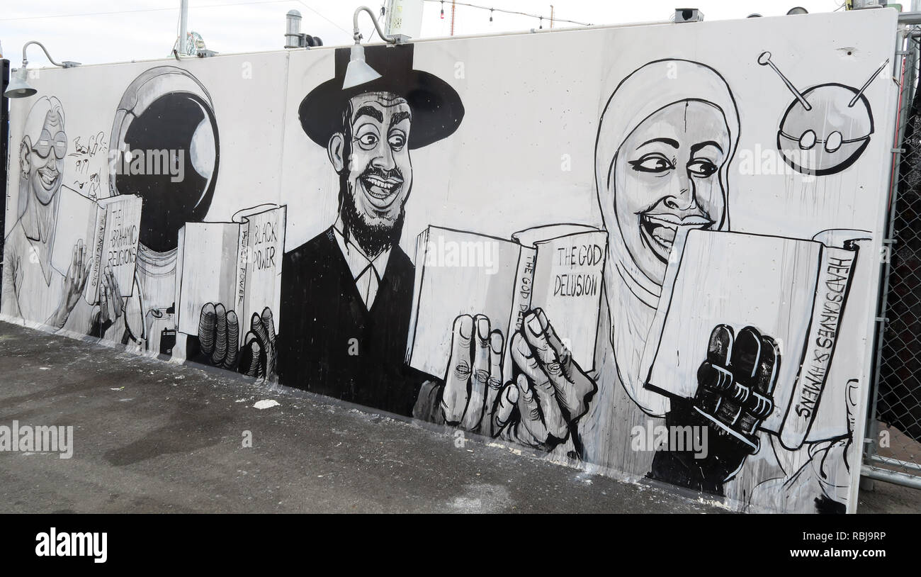 Coney Walls Art - Religion, Muslim, Islam, Jewish, God Cartoon - Coney Island Seaside - Brooklyn, New York, NY, USA - Stock Image