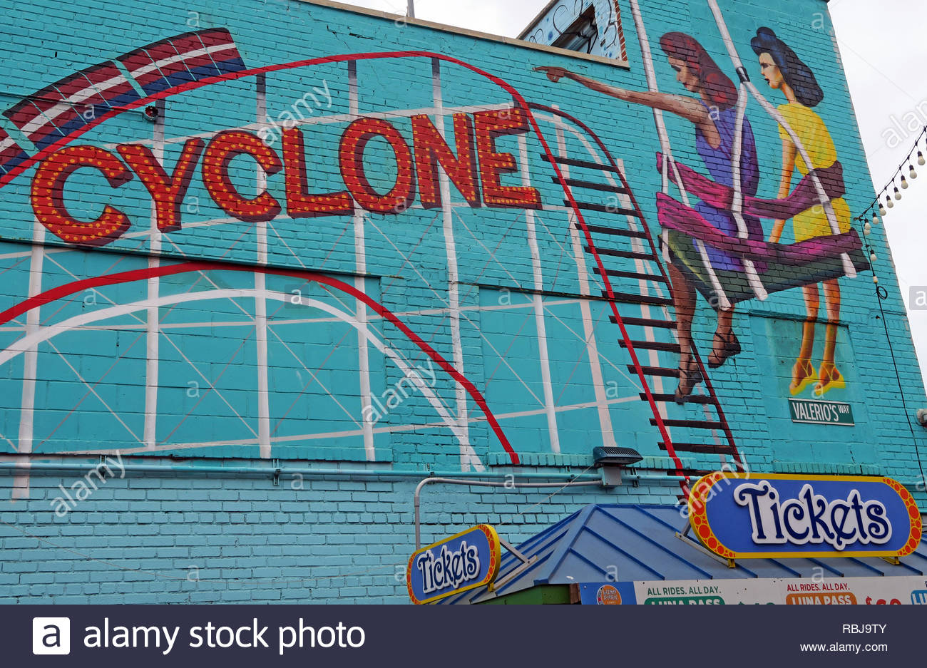 Cyclone Mural with two women, Coney Island amusement park, Brooklyn,New York, NYC, USA - Stock Image
