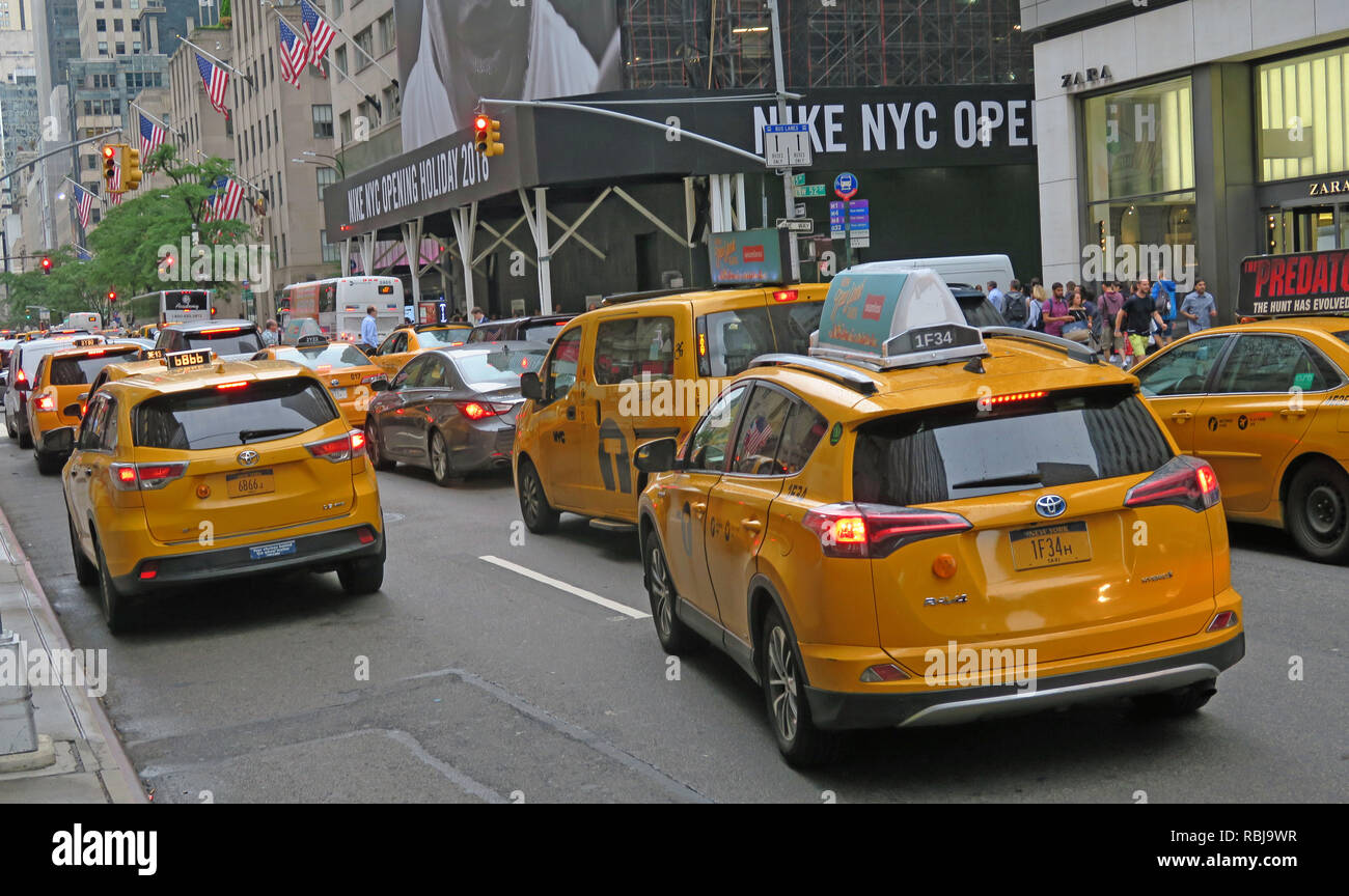 Canary yellow Medallion New York taxiCab, for hire ,Manhattan, New York City, NY, USA - Stock Image