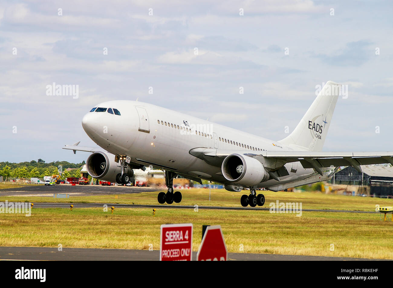 Tanker Plane Stock Photos & Tanker Plane Stock Images - Alamy
