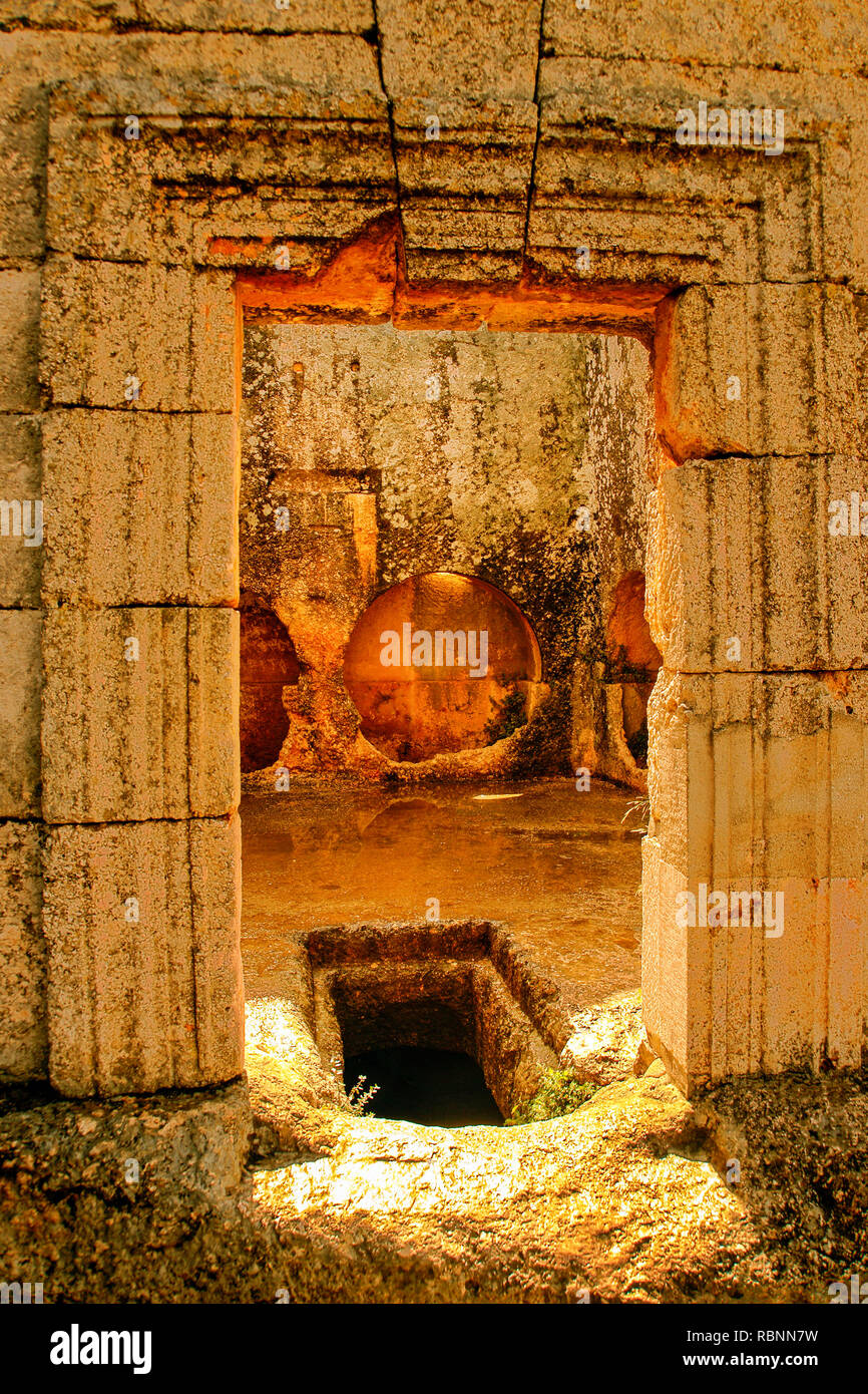 Tombs chapel at the citadelle of Basilique at the citadelle of Saint Simeon the Stylist, Qa´laat Samaan. Syria, Middle East - Stock Image