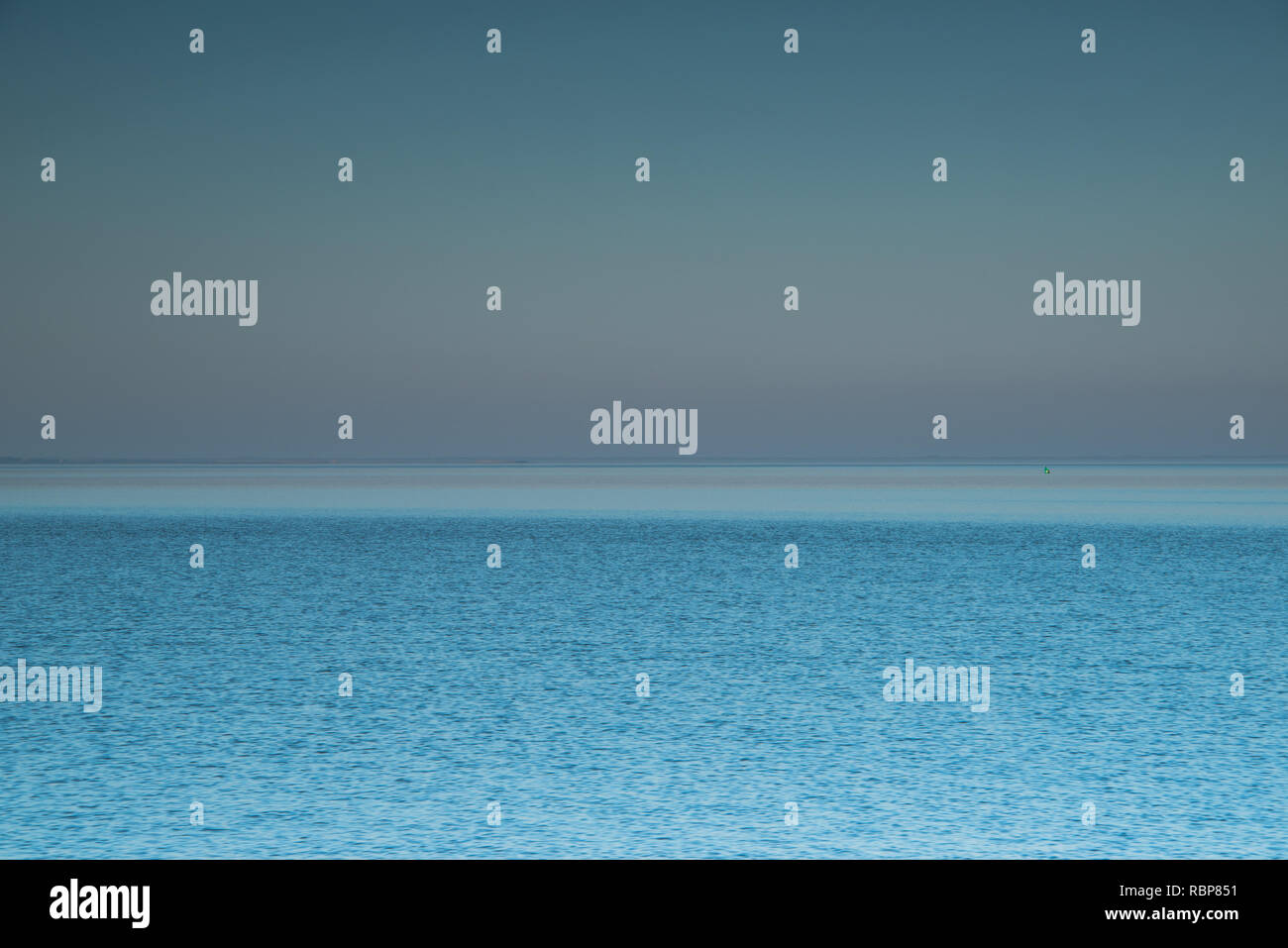 vastness of open ocean - blue water and horizon - Stock Image