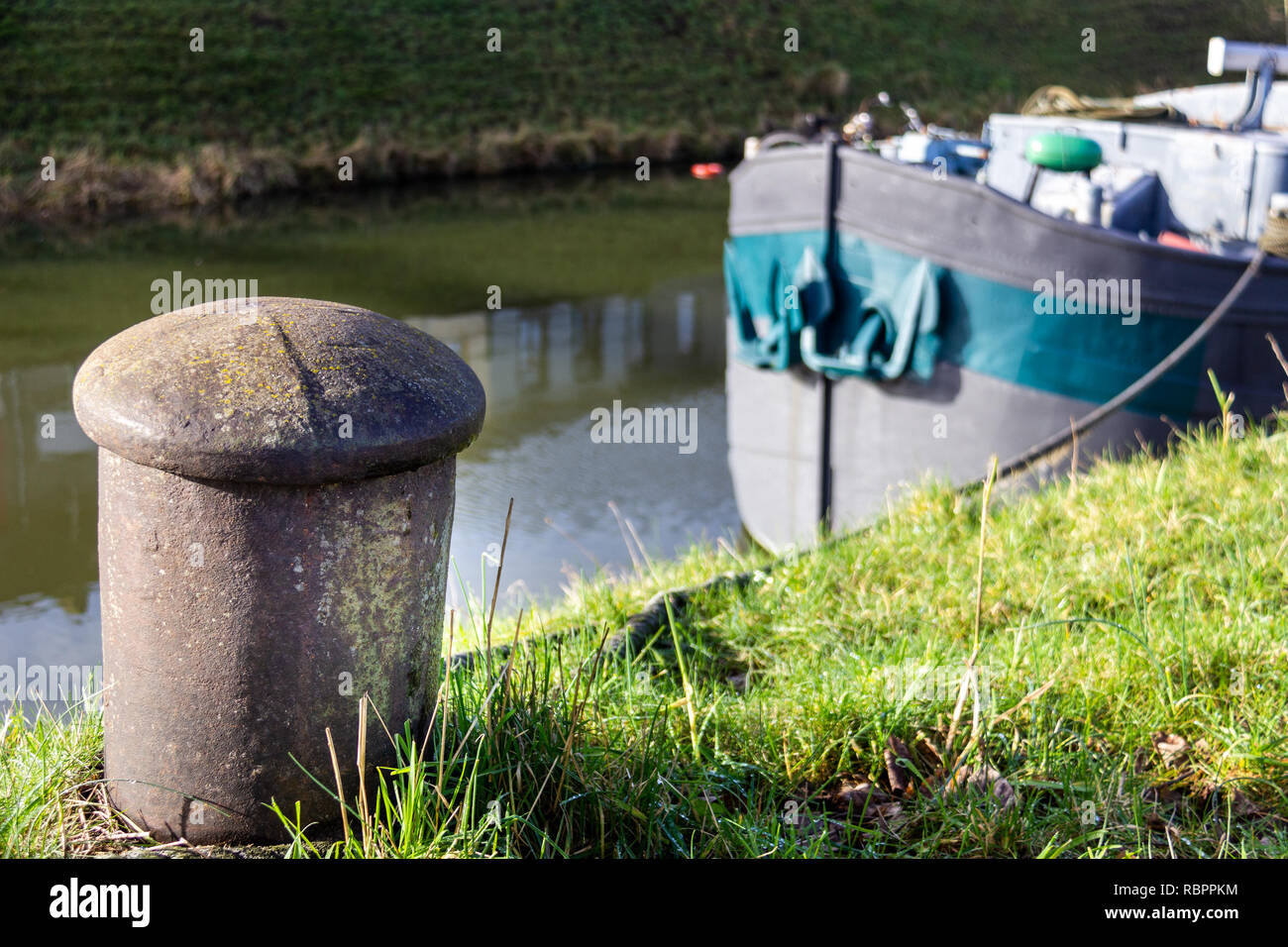 foto de Post Barge Stock Photos & Post Barge Stock Images - Alamy