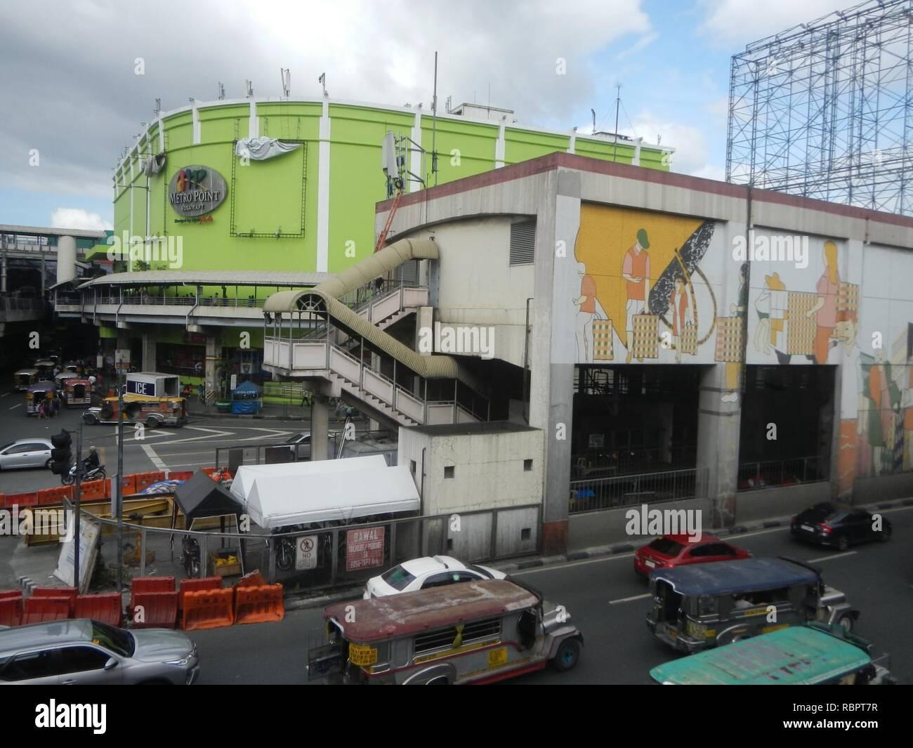0016jfjfEDSA Taft Avenue MRT Station LRT Footbridge Pasay Cityfvf 03. - Stock Image