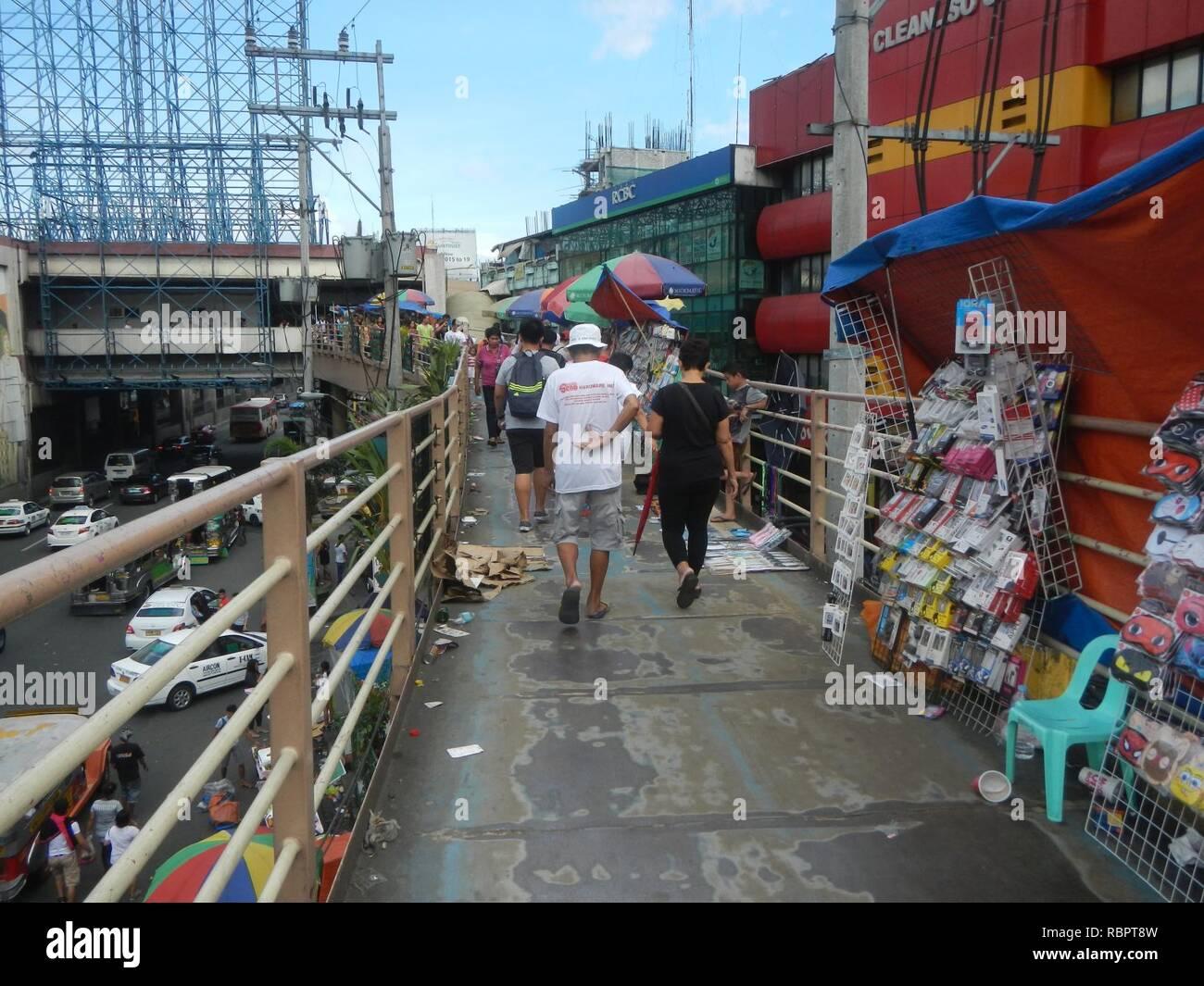 0016jfjfEDSA Taft Avenue MRT Station LRT Footbridge Pasay Cityfvf 25. - Stock Image