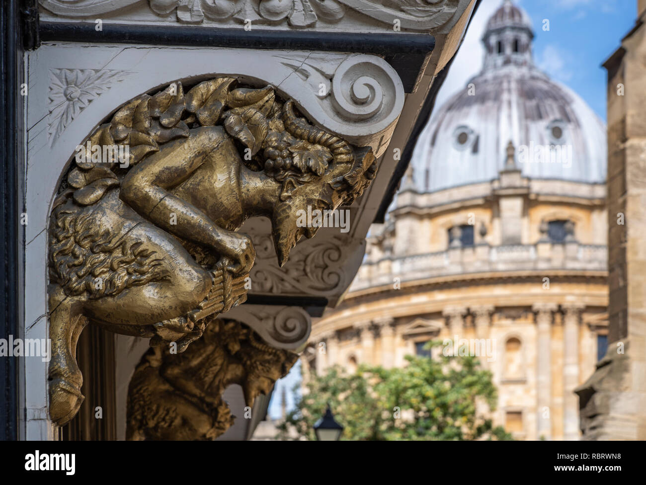 Carvings over a doorway in Oxford, said to have inspired CS Lewis's character Mr Tumnus, from The Lion, The Witch and The Wardrobe - Stock Image