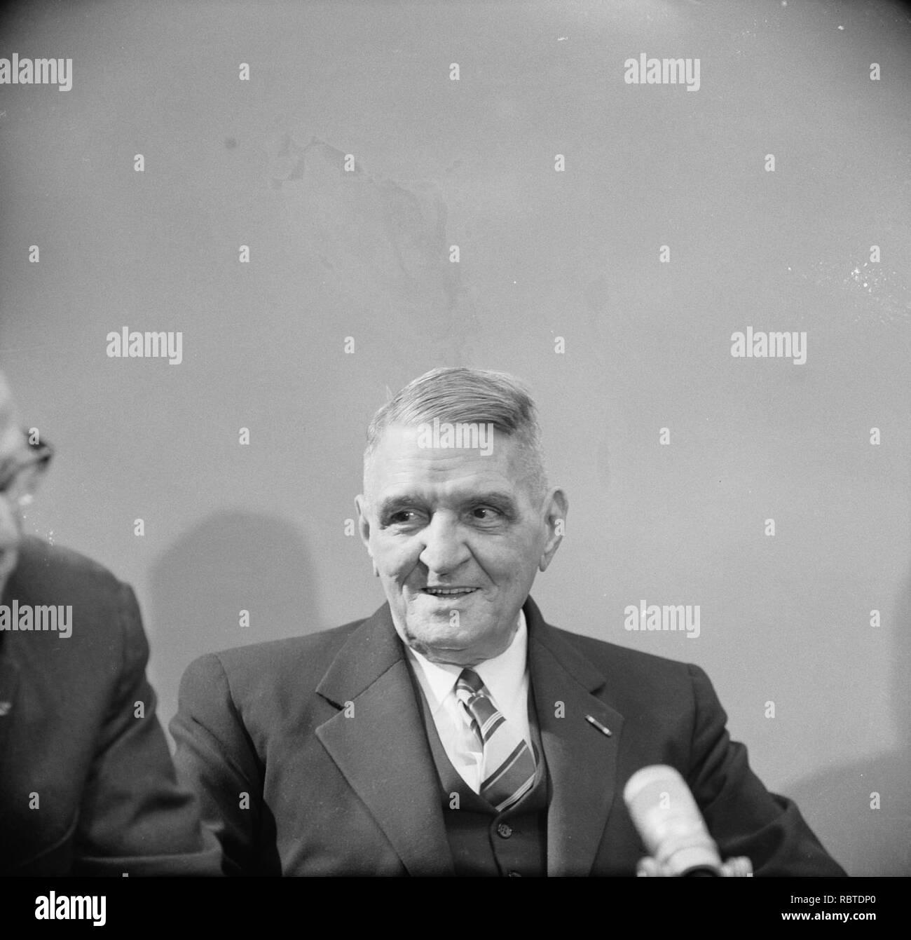 A. Currie Gouverneur Suriname (kop), Bestanddeelnr 914-9689. - Stock Image