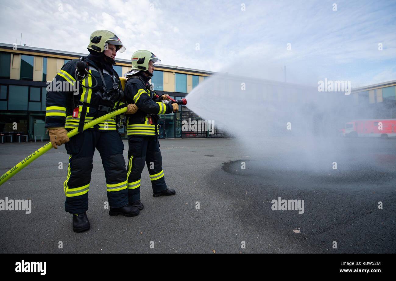 Feuer Und Flamme Staffel 3 Wdr Will Mit Neuer Wache Fortsetzen