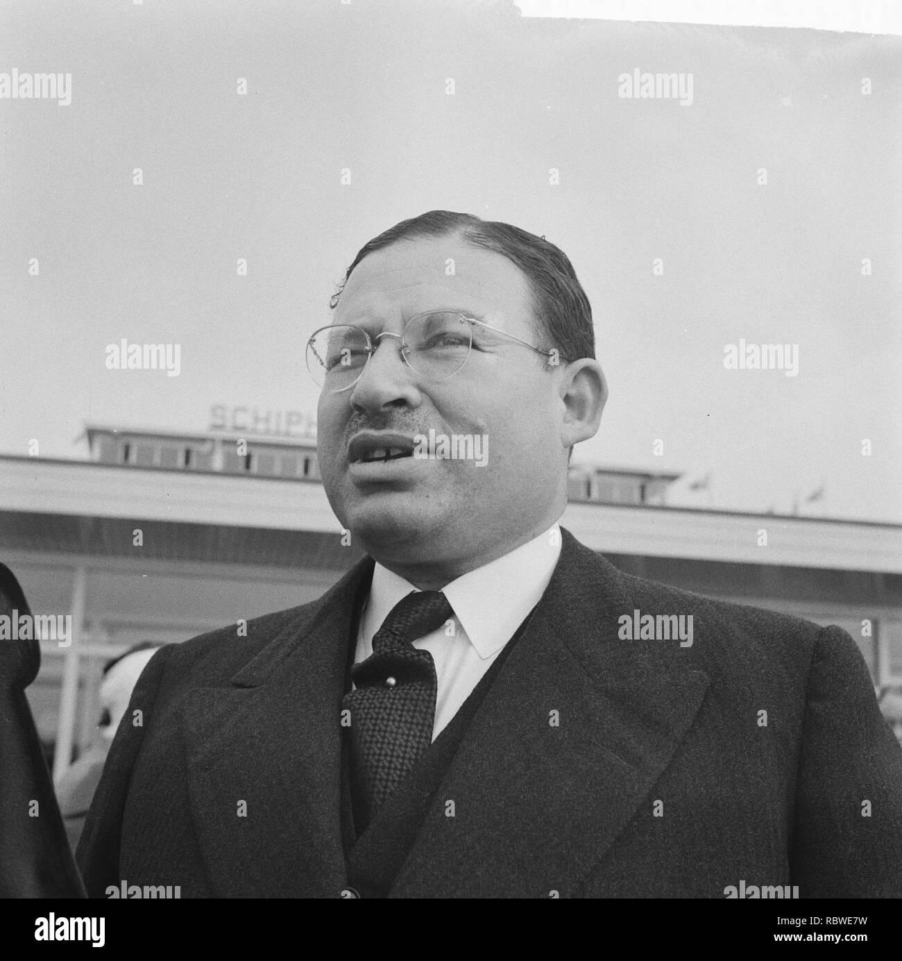 Aankomst Lord Mayor van London op Schiphol Sir Bernard Waley Cohen, Bestanddeelnr 912-3933. - Stock Image