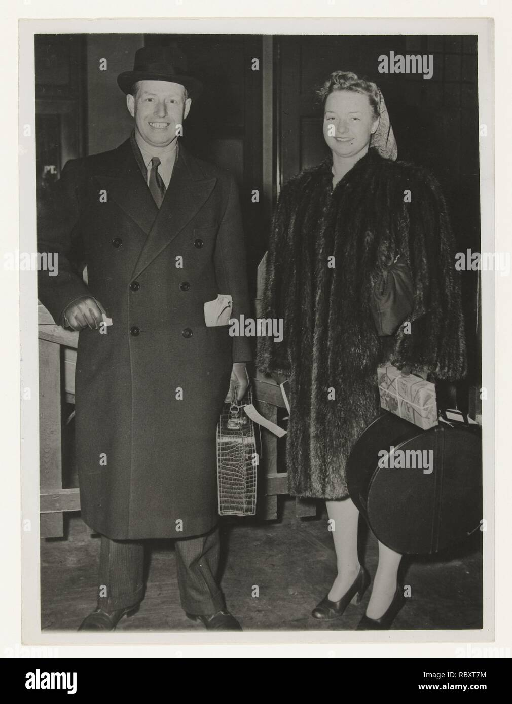 Former governor-general Tjarda van Starkenborgh and his daughter in New York, Associated Press, 1946.jpg - RBXT7M 1RBXT7M - Stock Image