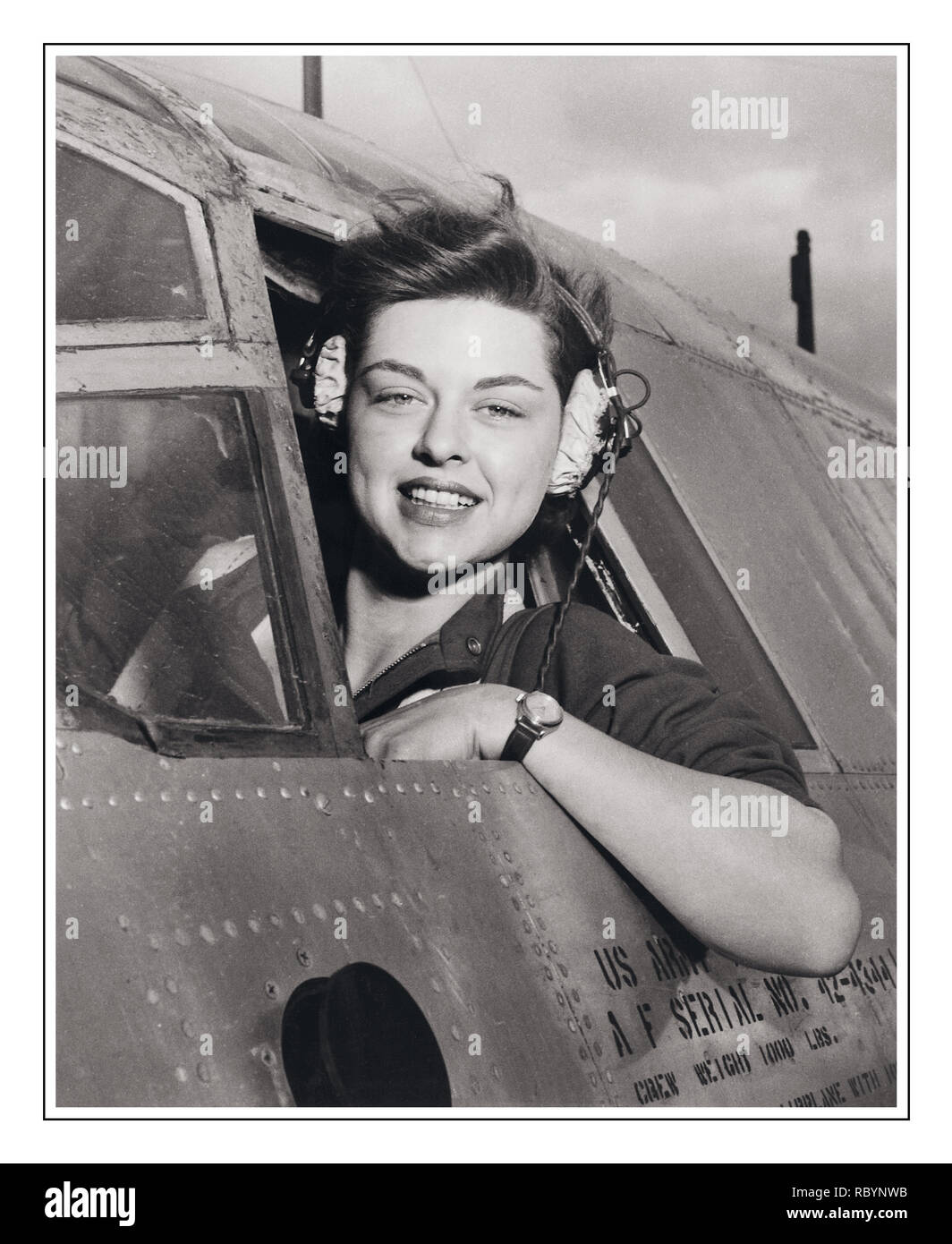 WOMENS AIRFORCE SERVICE PILOTS WW2 Harlingen Army Air Field, Texas--Elizabeth L. Remba Gardner of Rockford, Illinois, WASP (Women's Airforce Service Pilots), Class: 43-W-6, takes a look around before sending her plane streaking down the runway at the Harlingen Army Airfield, Texas, 1942–1944, part of project of having women pilots move aircraft on the home front to free up more male pilots for combat duty.  circa 1943 - Stock Image