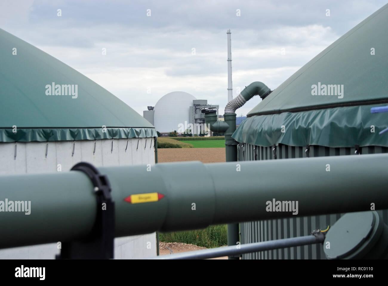 Biogasanlage vor Kernkraftwerk Grohnde, Gemeinde Emmerthal, Landkreis Hameln-Pyrmont, Naturpark Weserbergland Schaumburg-Hameln, Niedersachsen, Deutsc - Stock Image