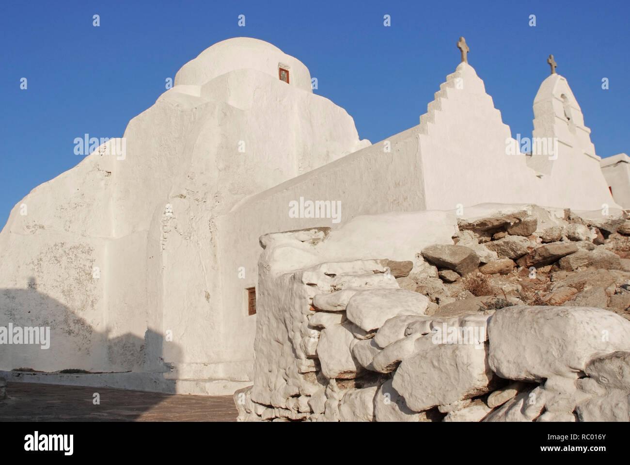 Panagia-Paraportiani Kirche in der Chora, Mykonos, Insel der Kykladen im Ägäischen Meer, Griechenland, Europa | The church of Panagia (Virgin Mary) Pa - Stock Image