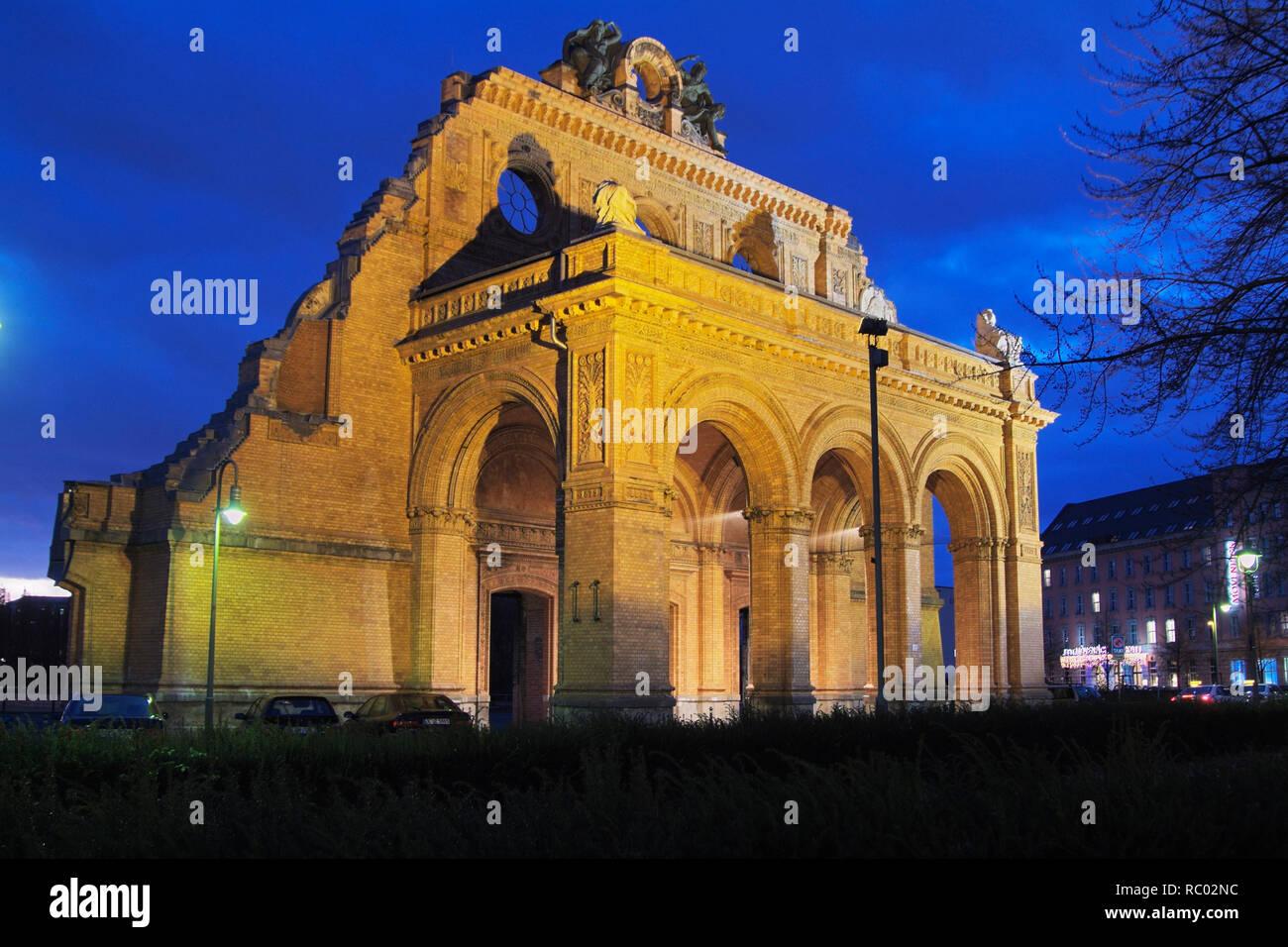 Portalruine Anhalter Bahnhof am Askanischen Platz, HG Tempodrom, Nähe Potsdamer Platz, Berlin-Kreuzberg, Deutschland, Europa | ruin Anhalt station, An - Stock Image