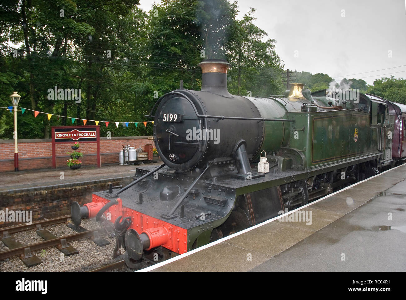 The Churnet Valley railway. Kingsley and Froghall station. GWR Prairie 5199 from the Lllangollen Railway - Stock Image