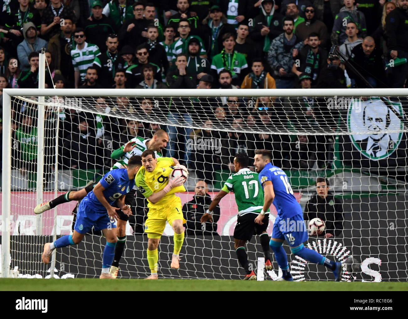 Fc Porto Goalkeeper Stock Photos   Fc Porto Goalkeeper Stock Images ... 001f1cd1f