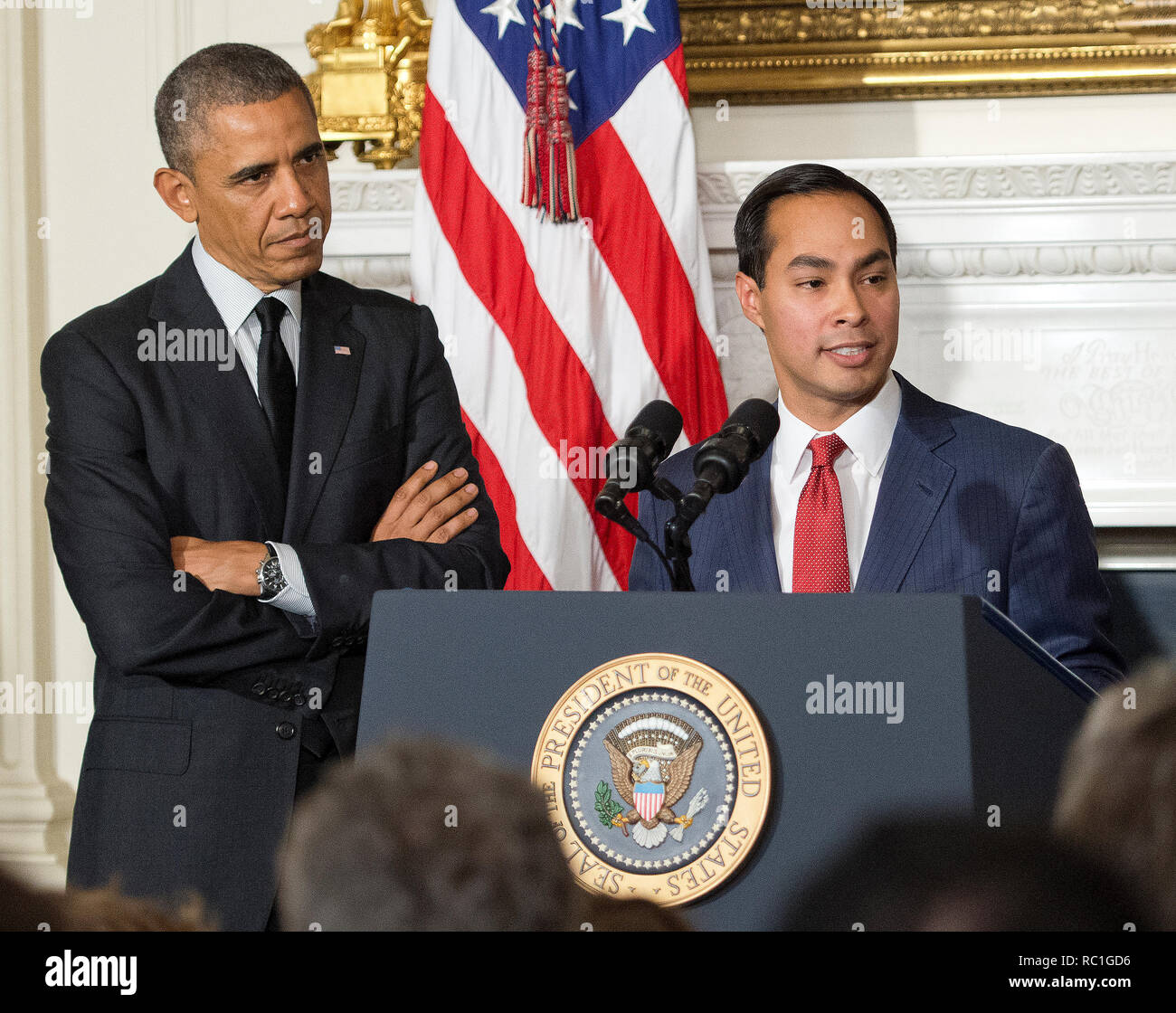 United States President Barack Obama, left, announces his nomination of San Antonio Mayor Julián Castro, right, as U.S. Secretary of Housing and Urban Development (HUD) replacing current HUD Secretary Shaun Donovan (not pictured) who has been nominated to be Office of Management and Budget (OMB) Director in the State Dining Room of the White House in Washington, DC on Friday, May 23, 2014. Credit: Ron Sachs/Pool via CNP | usage worldwide Stock Photo