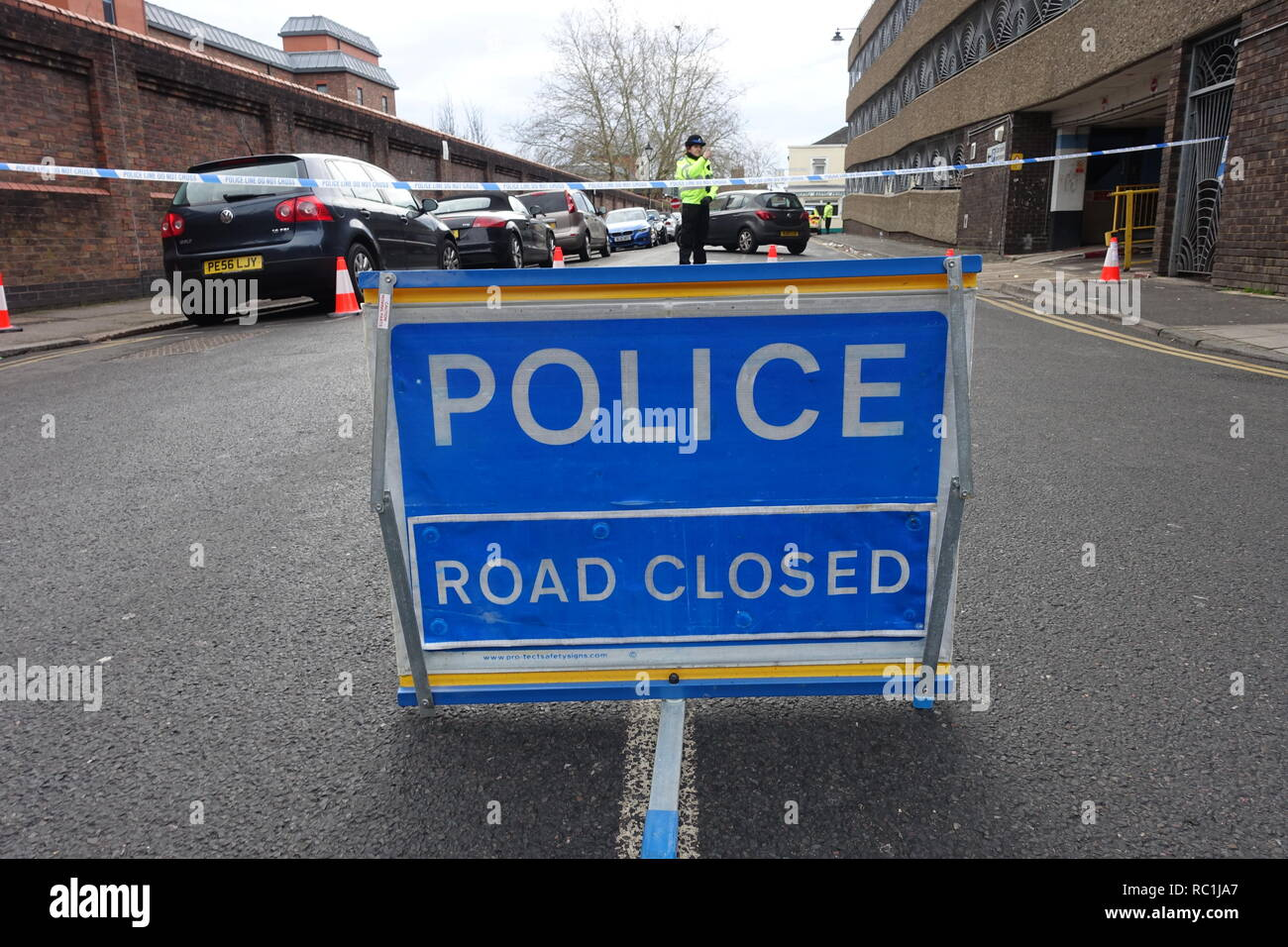 Windsor, UK. 13th January 2019. A road closure outside Victoria Street car park in Windsor due to a police incident. Matthew Ashmore/Alamy Live News Stock Photo