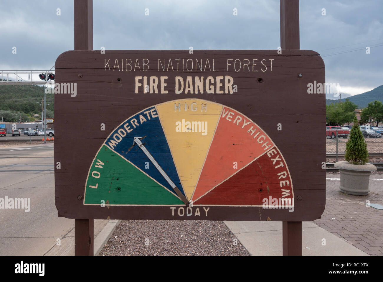 Kaibab National Forest fire danger notice (set at moderate) in Williams, northern Arizona, USA. - Stock Image