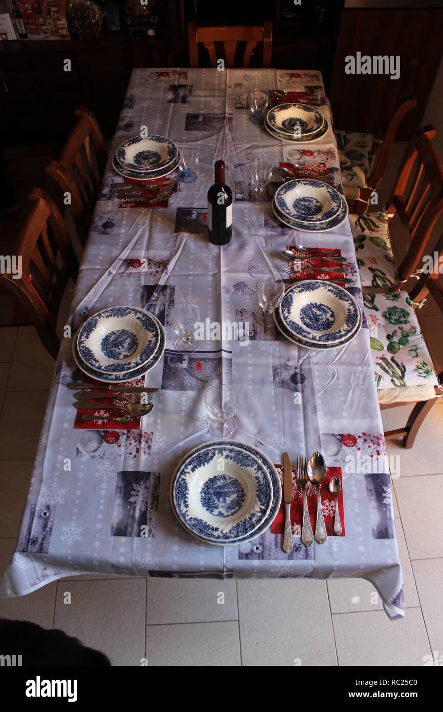 Tavola Imbandita Stock Photo Alamy