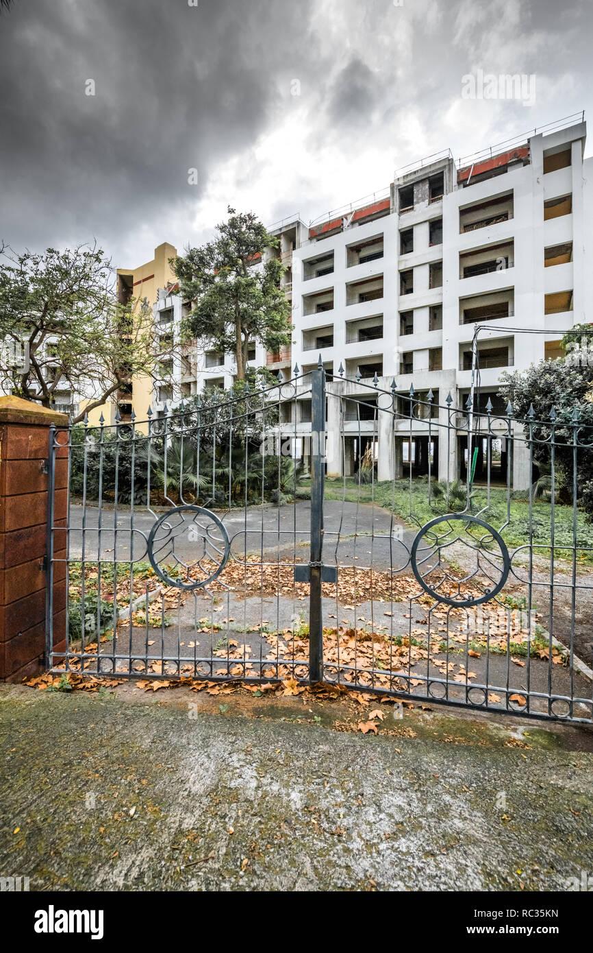 Madeira Palacio/Regency Palace lelt in an abandoned state after refurbish stop. - Stock Image