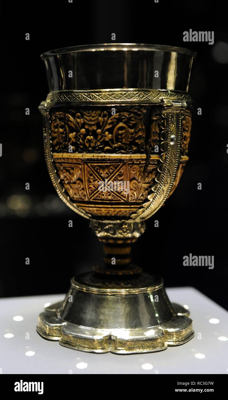 Carolingian art. The misnamed Lebuinus Chalice. Aachen, Germany, 790-810. Bowl made   in ivory, mounted on a silver frame, made   in the workshops of Carlolingian Empire. The silver assembling dates from 14th century. Catharijneconvent Museum. Utrecht. Netherlands. Stock Photo