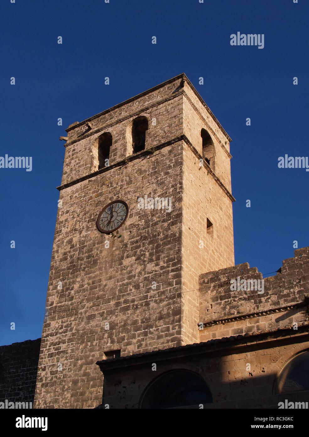 COMUNIDAD VALENCIANA. XATIVA (JAVEA). IGLESIA FORTIFICADA DE SAN BARTOLOME, construida a finales del S. XIV finales del XV, en estilo gótico tardio valenciano. España. - Stock Image