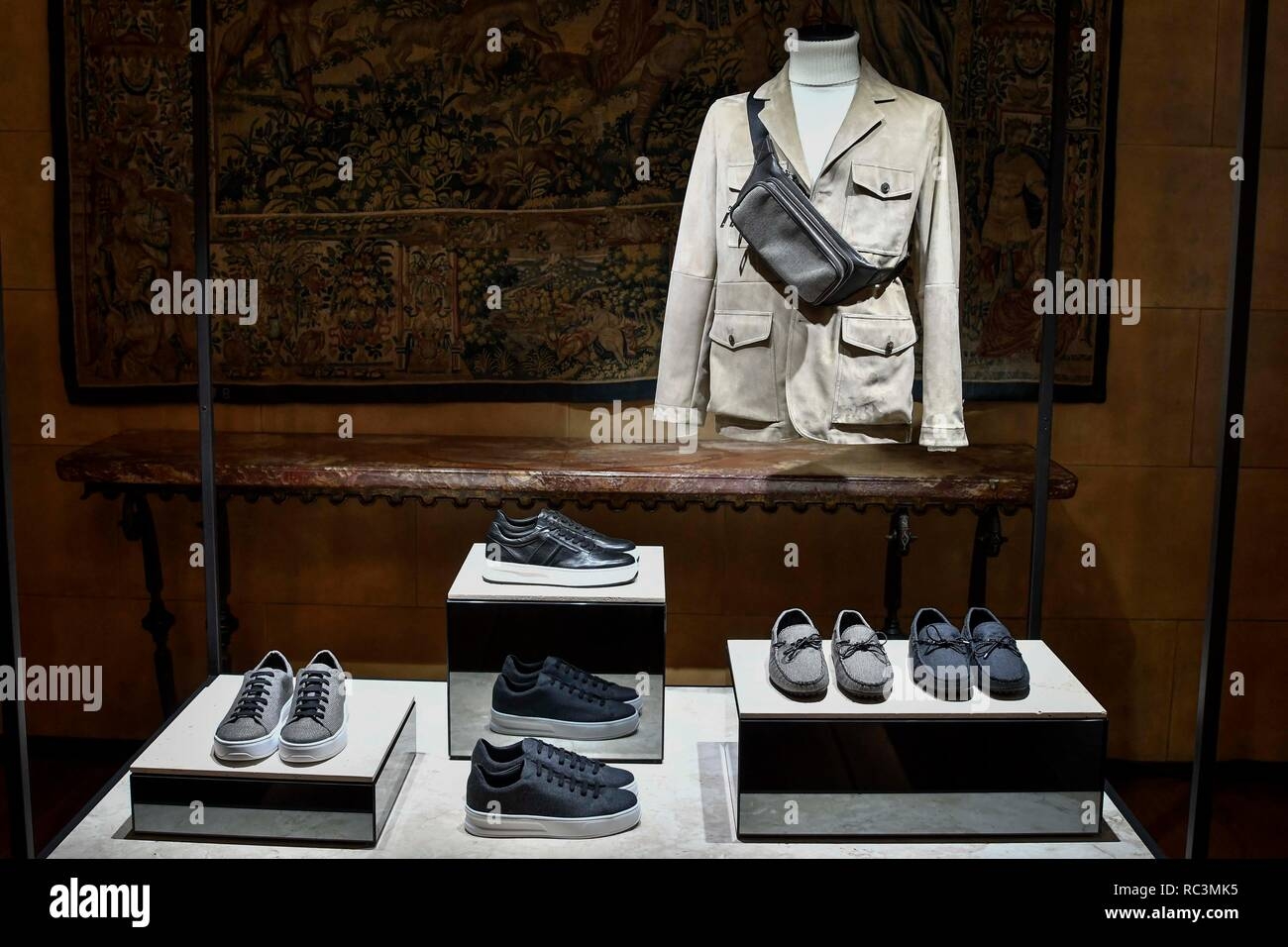 Milan, Italy. 13th Jan, 2019. Milan Fashion Week Fashion Man Fall Winter 2019/2020. TOD'S presentation. In the photo: model Credit: Independent Photo Agency/Alamy Live News Stock Photo