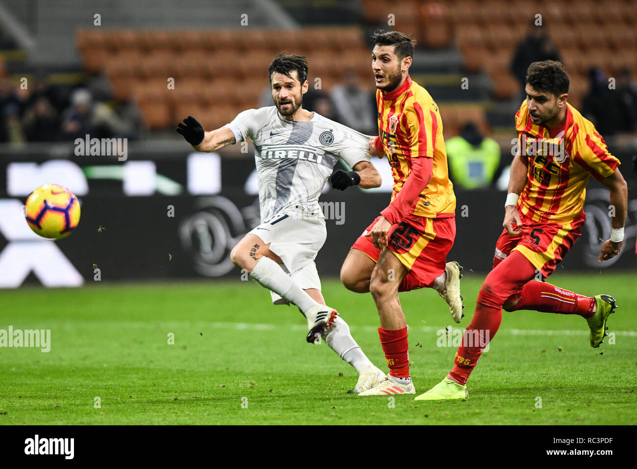 Milan, Italy. 13th Jan 2019. Midfielder Antonio Candreva (Inter) scores during the Italian Cup 'Coppa Italia' football match, Inter Milan vs Benevento Calcio at San Siro Meazza Stadium in Milan, Italy on 13 January 2019. The football match is played behind closed doors after Napoli's Senegalese player Kalidou Koulibaly was subject to racist chants by FC Internazionale's 'ultra' fans during the Boxing Day match. Credit: Piero Cruciatti/Alamy Live News - Stock Image