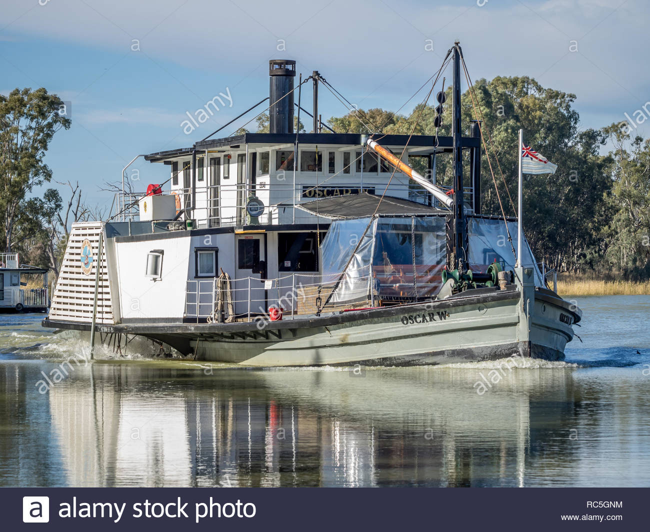 OVERLAND CORNER, SOUTH AUSTRALIA, August 20th, 2017: Paddlesteamer PS Oscar 'W' at Overland Corner, heading home to Goolwa after towing the Murray Riv - Stock Image