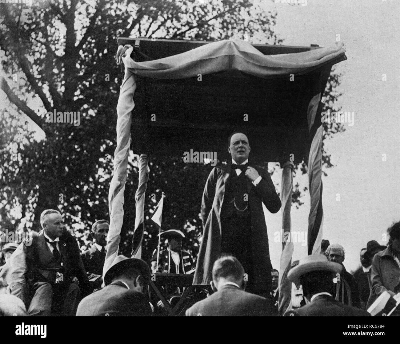 Winston Churchill speaking at Chelmsford, 9th September 1916 - Stock Image